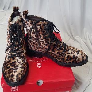 True craft Zadie leopard velvet combat boots